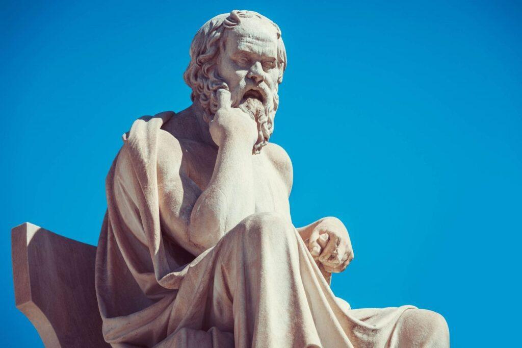 greek philosopher socrates statue